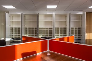Vivid-office-furniture-2